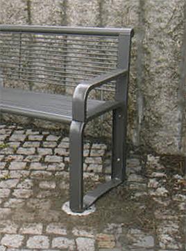 Parkbank Bodenhülse Pflaster Stadtmöbel